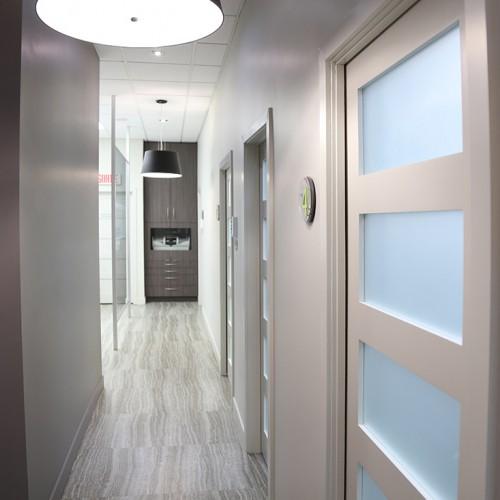 couloir de clinique dentaire
